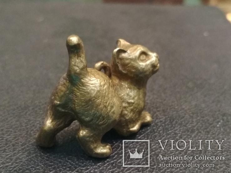 Котенок милый коллекционная миниатюра бронза брелок, фото №3