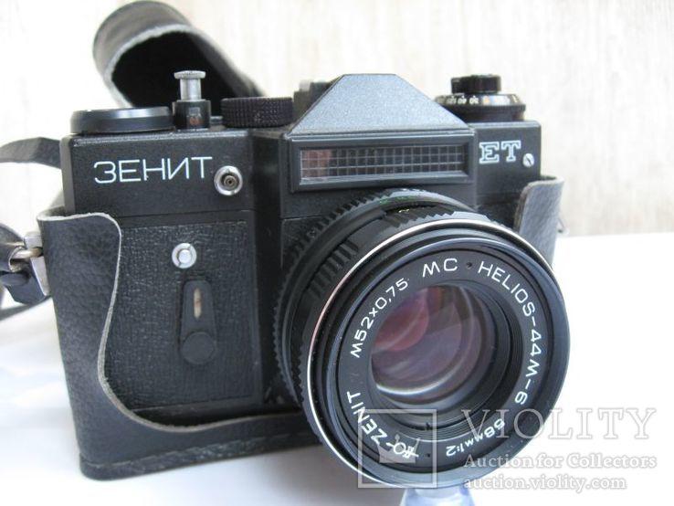 Фотопаарат Зенит с обьективом Гелиос-44М-6