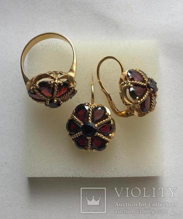 Золотые серьги и кольцо (гарнитур) с гранатами. 750., фото №3