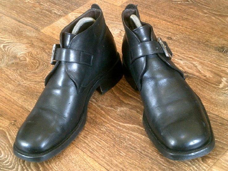Джеймс Бонд - фирменные ботинки агента 007