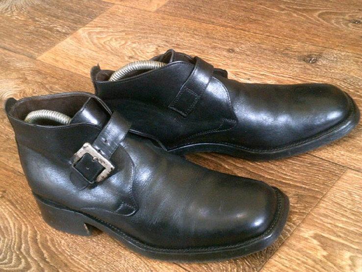 Джеймс Бонд - фирменные ботинки агента 007, фото №3
