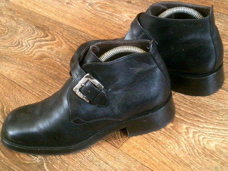 Джеймс Бонд - фирменные ботинки агента 007, фото №6