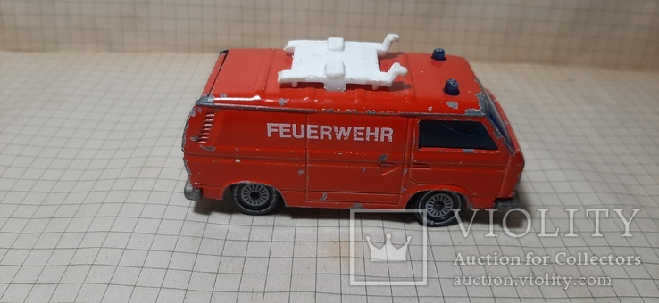 Машинка пожарная.  VW Transporter. Feuerwehr. 1331 Siku .made in W.-Germany, фото №3
