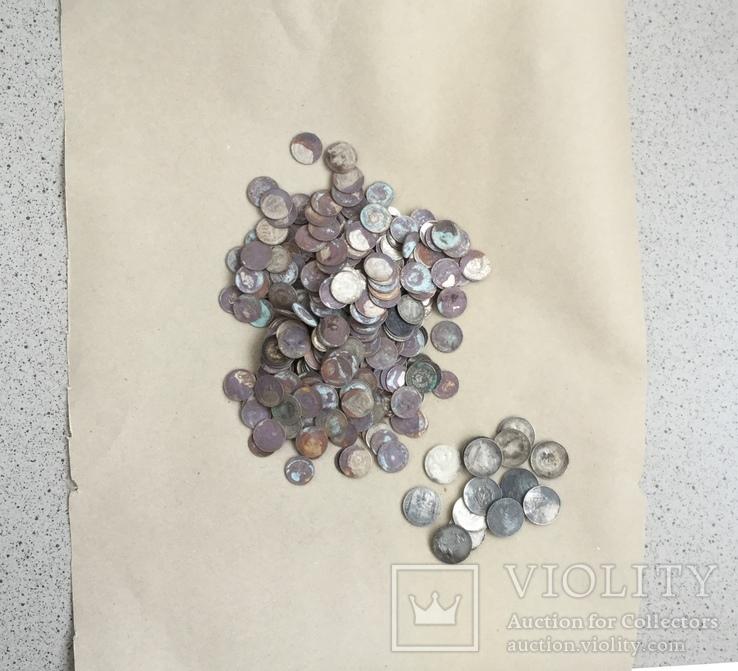 367 од. білона та 14 полтинників із срібла