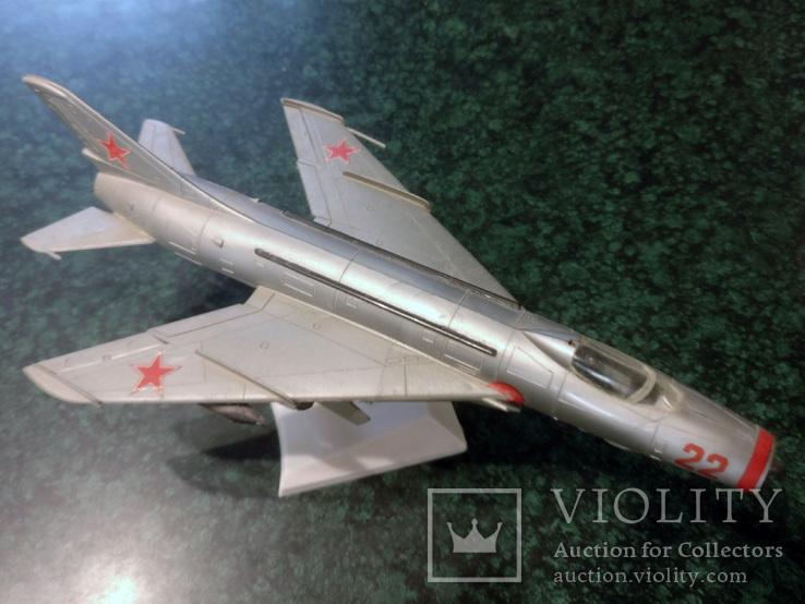 Модель самолета Су-7 Su-7, фото №3