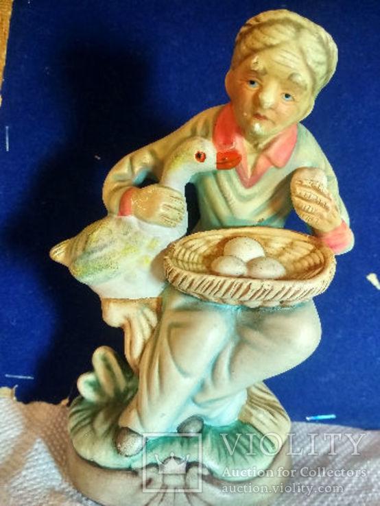 Статуэтка Старуха с гусем, керамика Европа прошлый век, фото №5