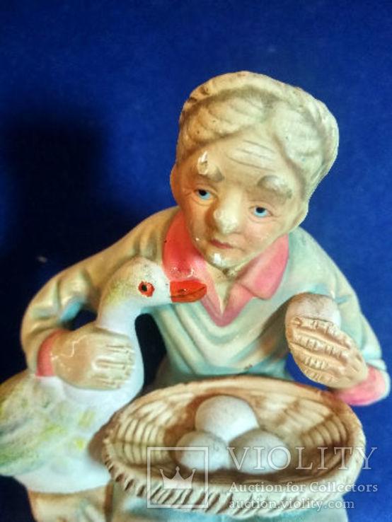 Статуэтка Старуха с гусем, керамика Европа прошлый век, фото №6