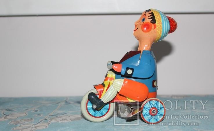 Заводная игрушка из жести - Мальчик на велосипеде, фото №7