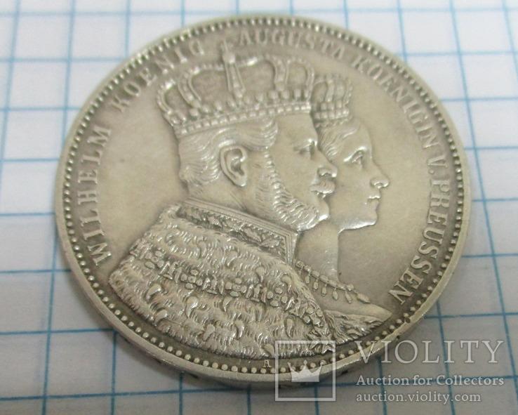 Пруссия 1 талер, 1861, Коронация Вильгельма I и Августы, фото №2