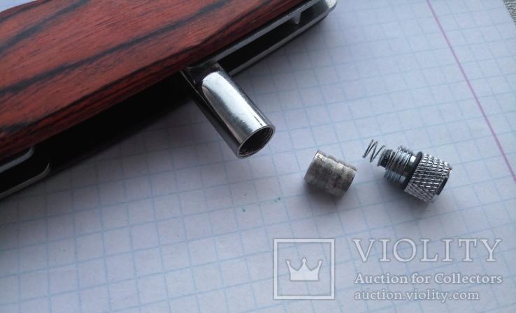 Нож выкидной с фонариком и чехлом, фото №8