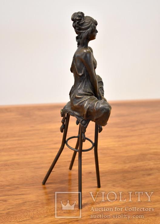 Девушка на стуле . Клеймо . Бронза, фото №4