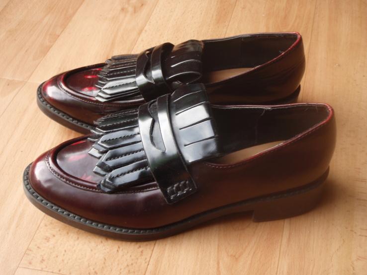 Туфлі лаковані 38 розмір. 153 лот.
