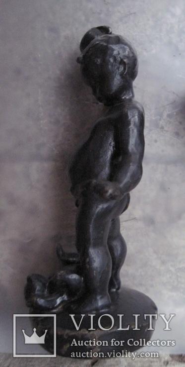 Мальчик с кружкой и мишкой моется., фото №6