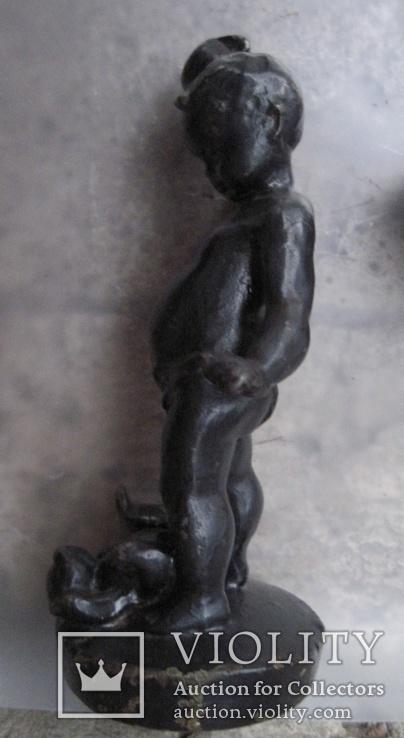 Мальчик с кружкой и мишкой моется., фото №2