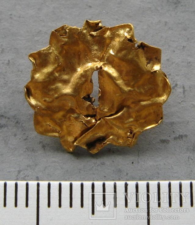 Золотая накладка с крепежными элементами ( усиками )., фото №6