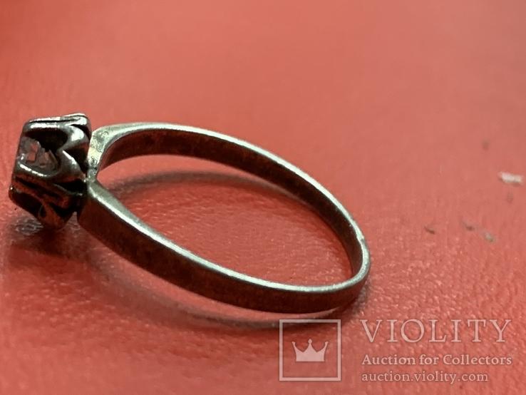 Винтажное серебряное колечко с белым камнем, фото №2