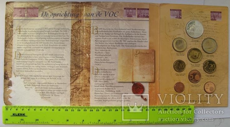 """Нидерланды, 1 серебряная рупия """"400 лет VOC"""" + евро-набор 2002 PROOF, фото №3"""
