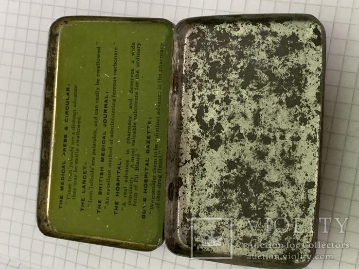 Винтажная зелёная жестяная коробочка с Англии, фото №3