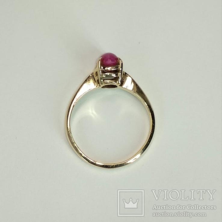 Золотое  колечко с синтетическим звездчатым рубином, фото №5