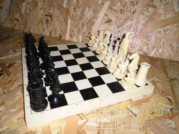 Старые шахматы с потерями, фото №3