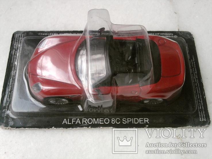 Модель Альфа-Ромео 8с  в масштабе 1:43, фото №2