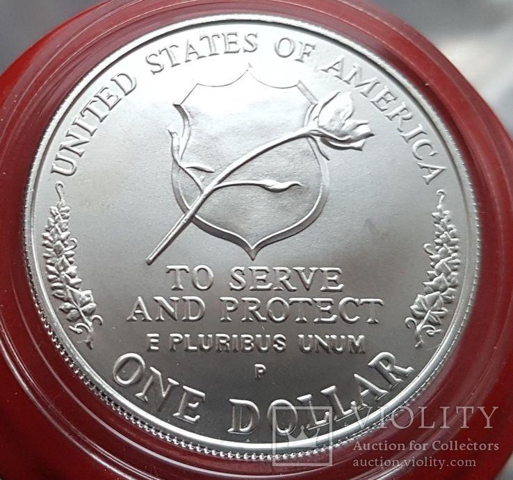 США 1 доллар 1997 г. Серебро. Национальный Мемориал сотрудников правоохранительных органов, фото №3