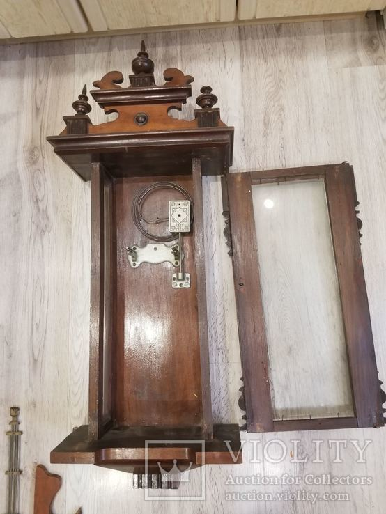 Часы продать старинные кустов настенные сопровождения часа охраны одного стоимость
