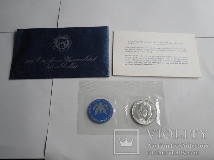 1 Доллар 1973г  в запайке с жетоном, в конверте, фото №2