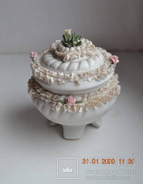 Фарф шкатулка (сахарница). Capodimonte, Victoria. Made in Italy. Decorato a mano. Позолота, фото №2