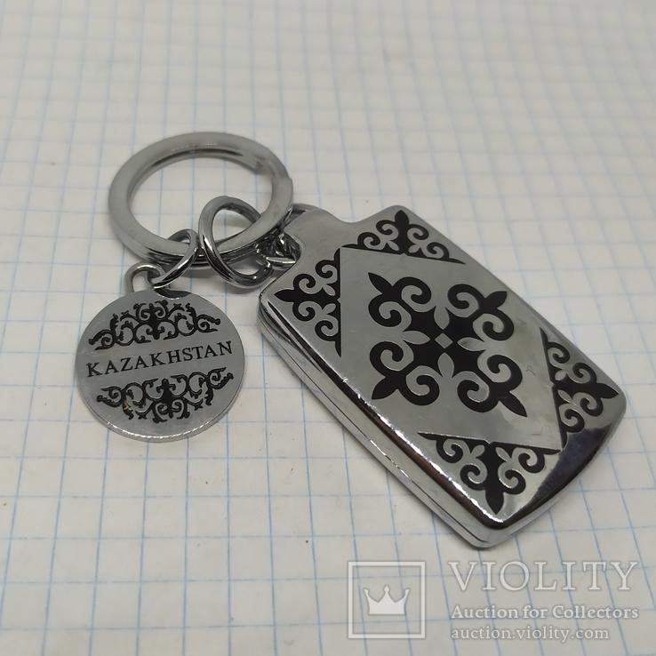 Брелок Казахстан. Медальон+открывающийся футляр на магнитах, фото №2