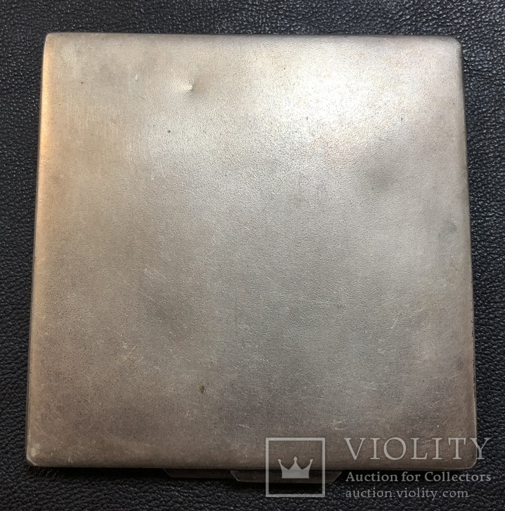 Серебряная пудреница 875 пробы с изображением Кремля., фото №3
