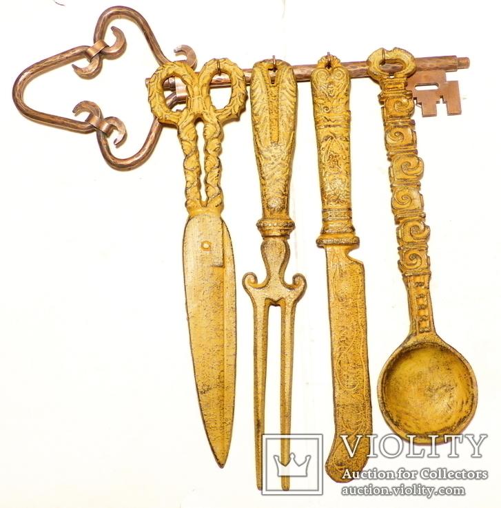 4 чугунные предмета + вешалка омедненная = 4,5 кг - германия - декор настенный, настольный, фото №2