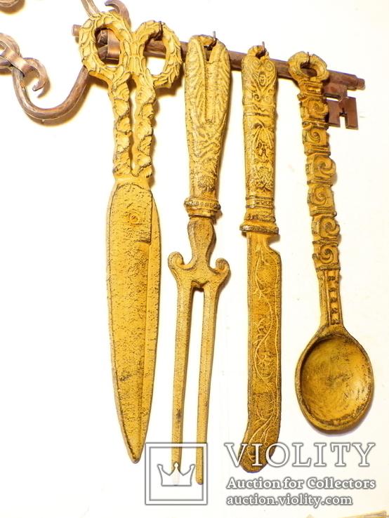 4 чугунные предмета + вешалка омедненная = 4,5 кг - германия - декор настенный, настольный, фото №3