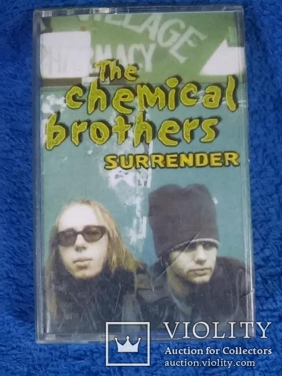 Аудиокассета с записью: The chemical brothers  Surrender, фото №2