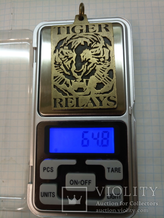 TIGER RELAYS - medal USA, фото №5