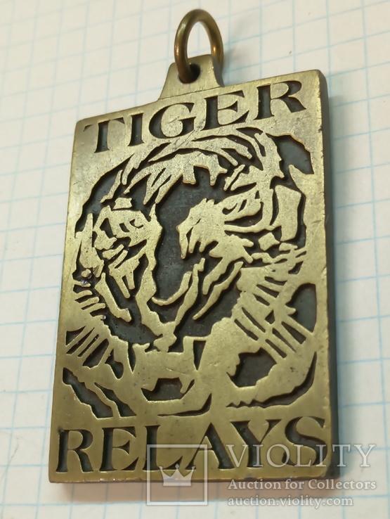 TIGER RELAYS - medal USA, фото №2