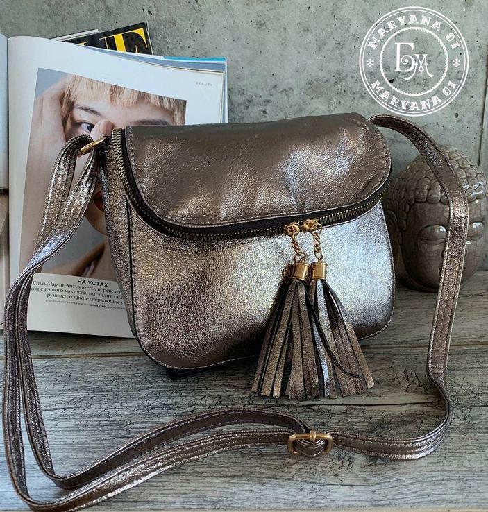 Стильная сумка кросс-боди с кисточками