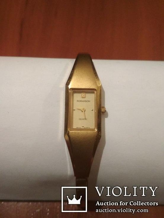 Фирменные позолоченные часы