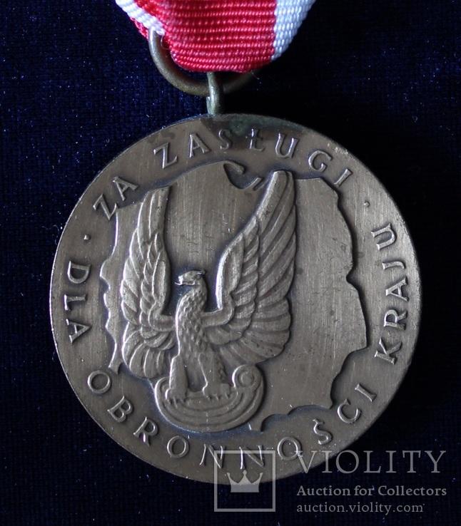 """Польша. Медаль """"За заслуги при защите страны"""". Бронзовая степень., фото №2"""