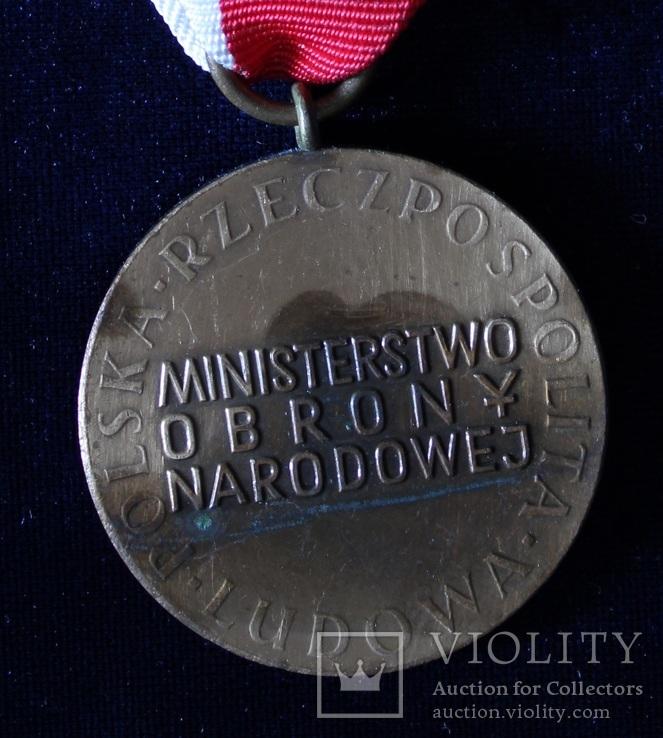 """Польша. Медаль """"За заслуги при защите страны"""". Бронзовая степень., фото №4"""