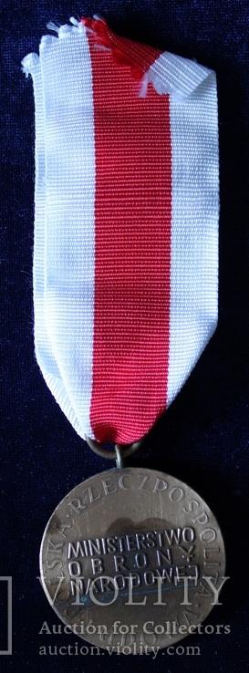 """Польша. Медаль """"За заслуги при защите страны"""". Бронзовая степень., фото №5"""