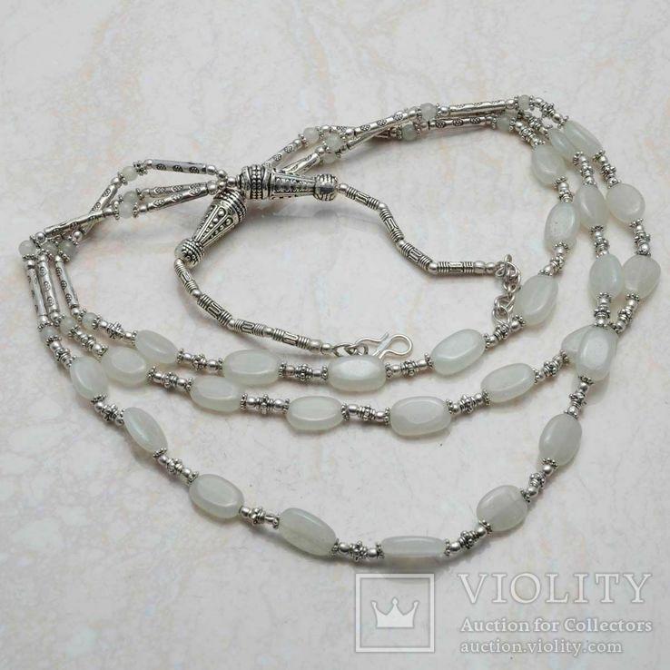 Ожерелье с натуральным лунным камнем