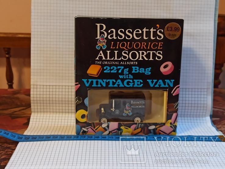 Lledo Bassett's Liquorice Allsorts t10104 van моделька или модель форд со сладким 1995 год, фото №2