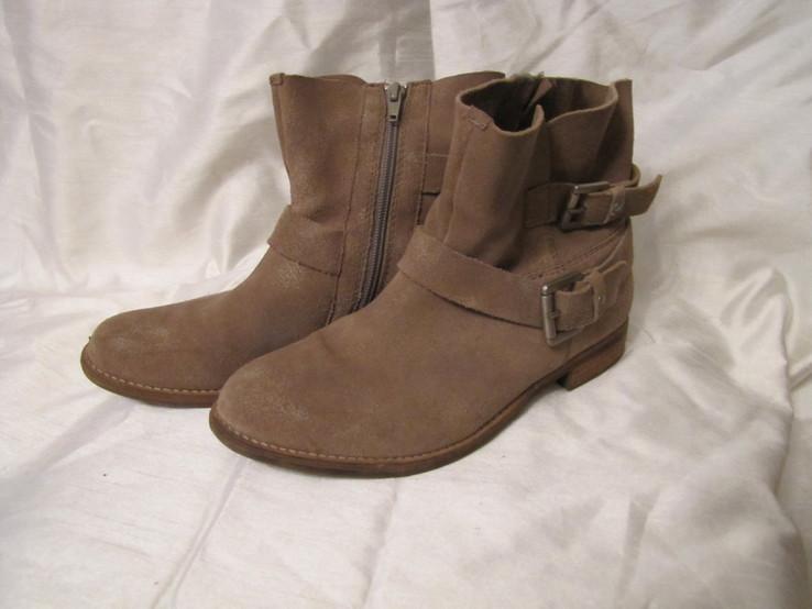 Кожаные сапожки ботинки р39
