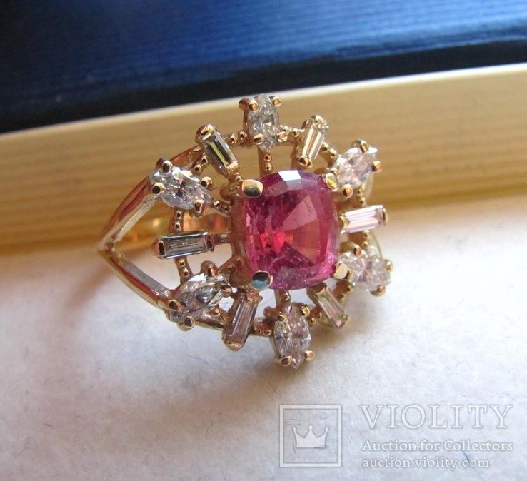 Кольцо с природным турмалином и бриллиантами