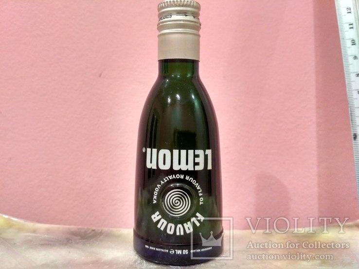Коллекционная мини бутылочка водки Vodka 60-80 годов, фото №2