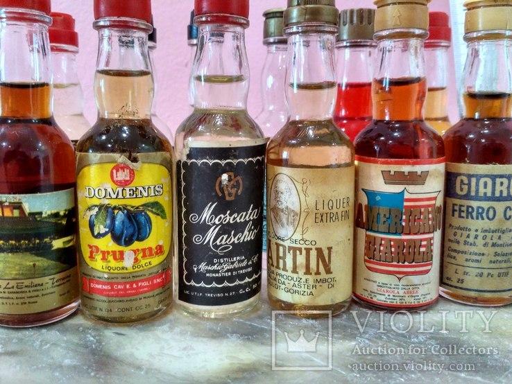 12 мини бутылочек ликера 60-80 годов, фото №4