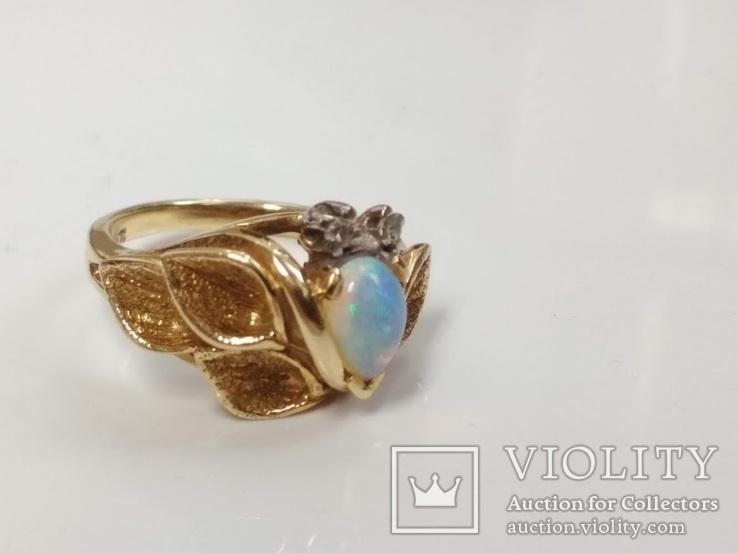 Винтажное золотое кольцо с натуральным опалом и бриллиантами, фото №3