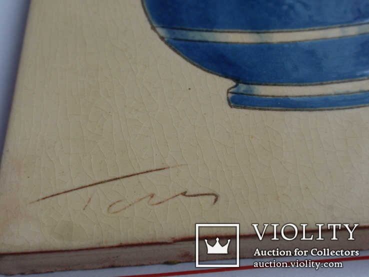 Сюжетная плитка кон. XIX нач. XX века. Майолика, фото №7