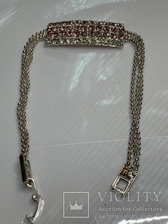 Посеребренный браслет ссанглии с белыми и розовыми камушками, фото №2